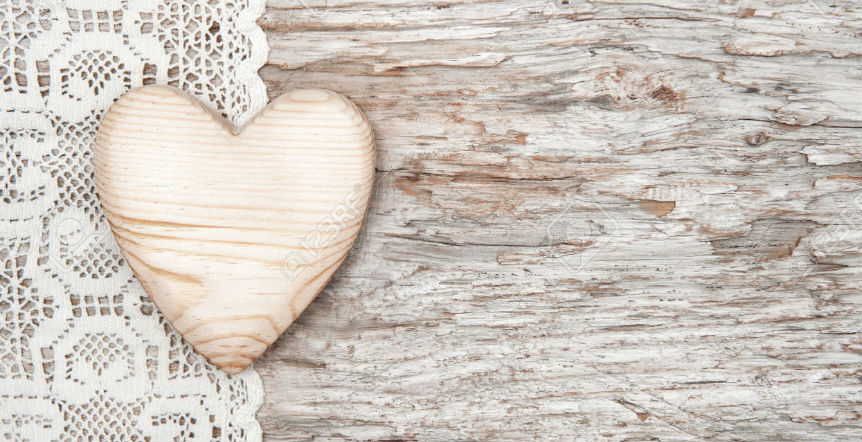 Wooden-heart-on-lace-1