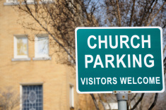 church-parking-vistors-welcome-sign