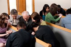 diverse-group-at-church